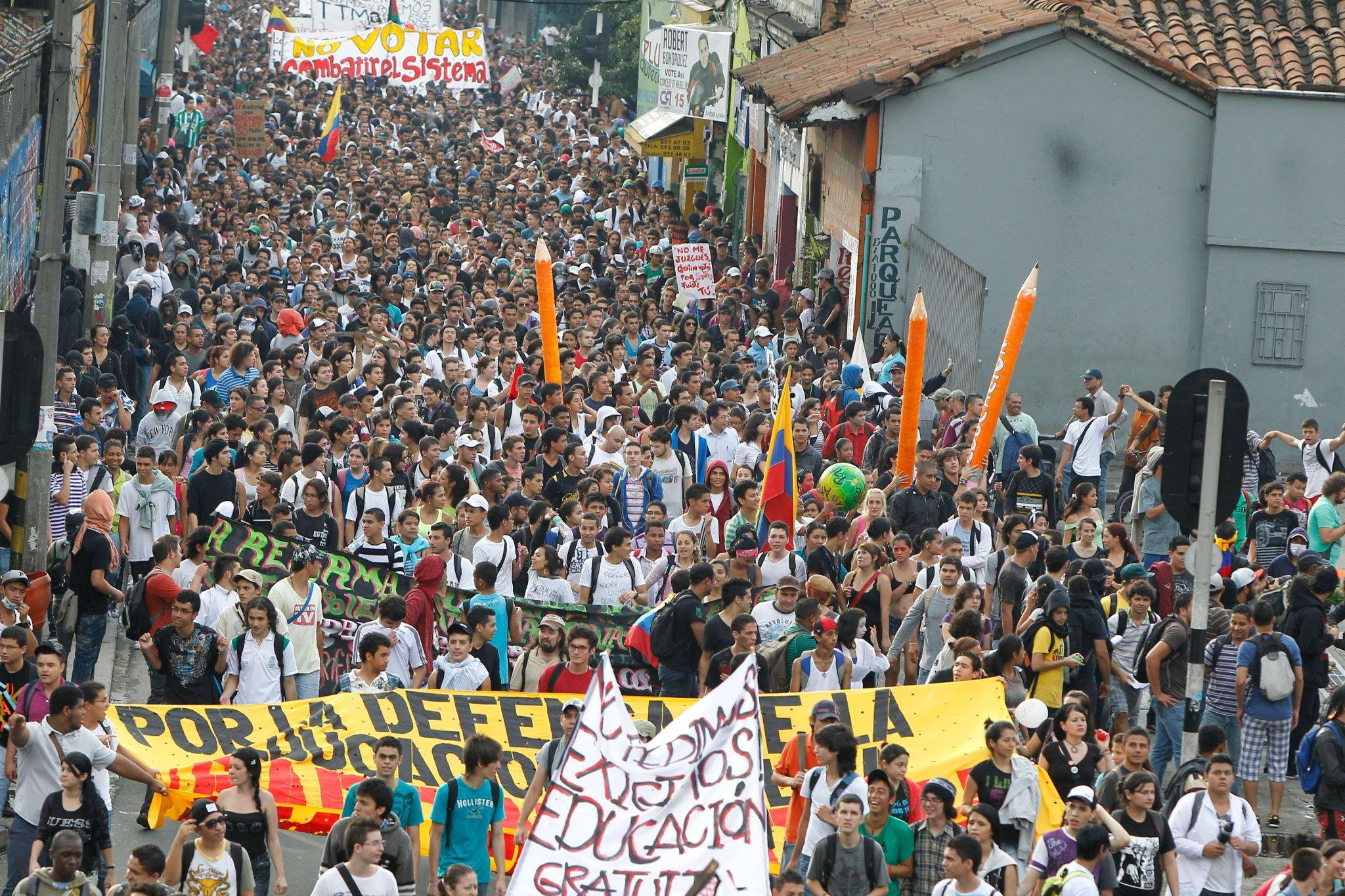 Los Maestros Colombianos: Una Historia de Lucha